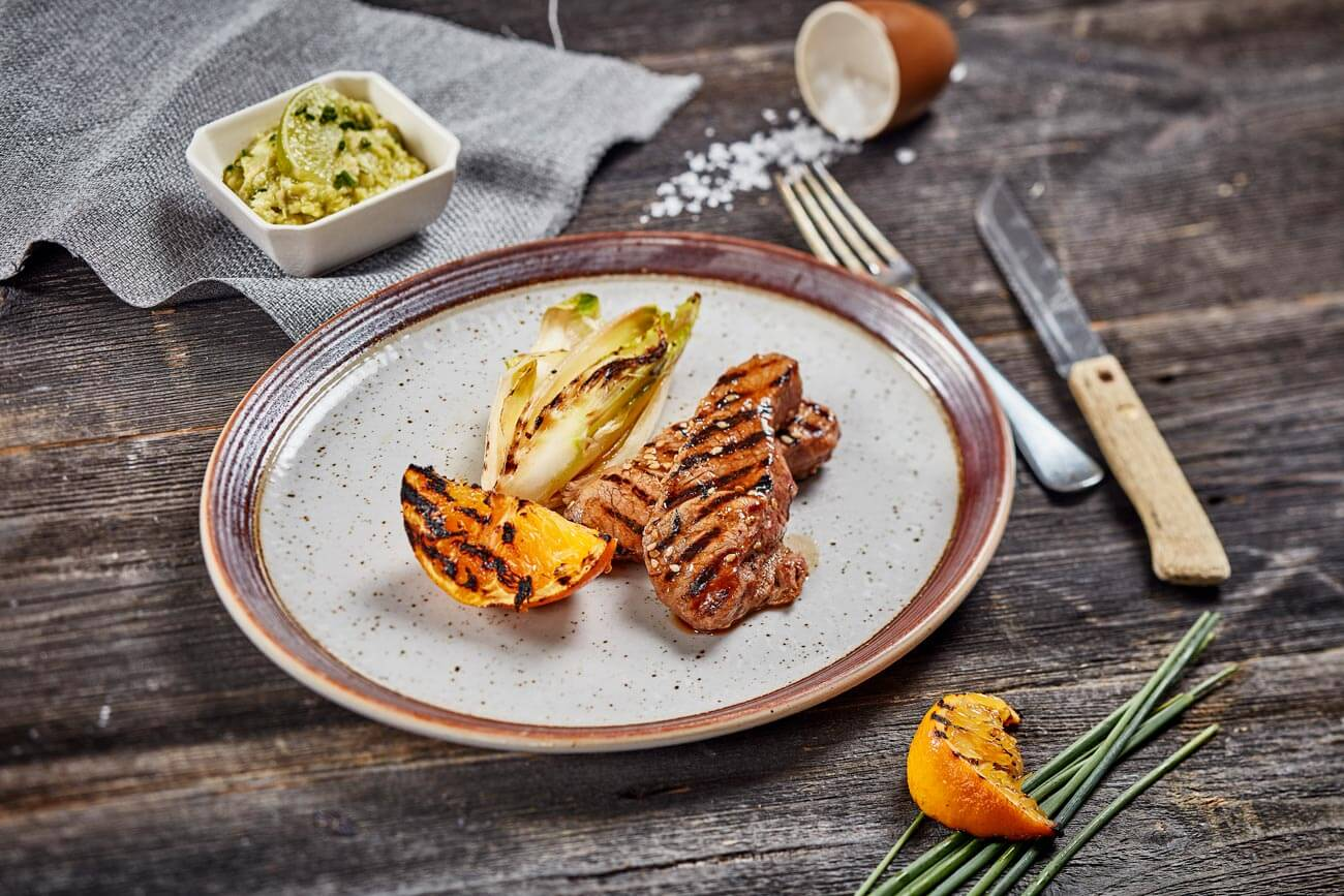 grilluð lambasteik með sesam og appelsínu