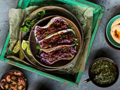tacos með rifnu lambakjöti
